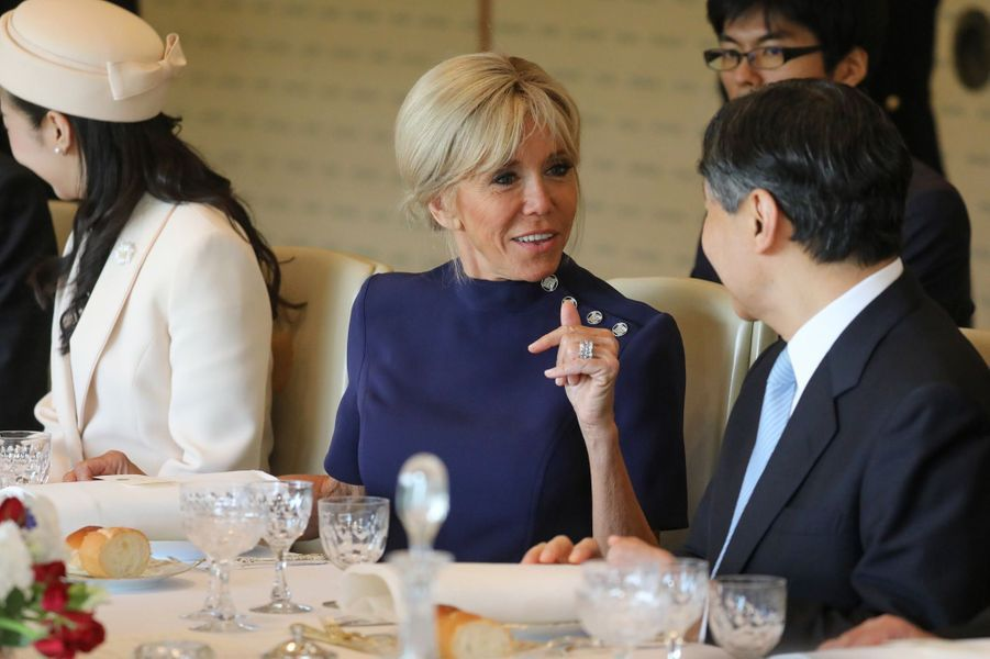 Brigitte Macron et le nouvel empereur du Japon, Naruhito.