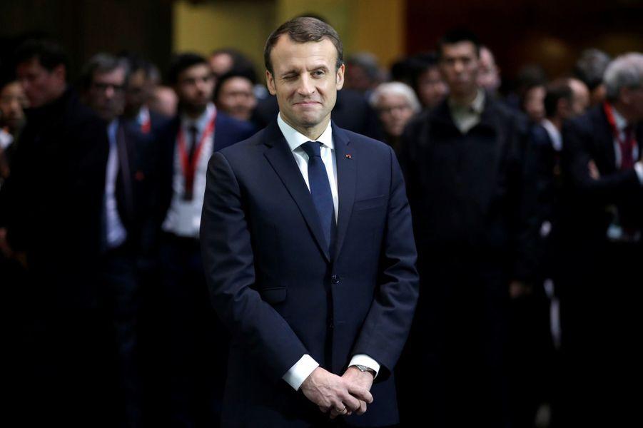 Emmanuel Macron àSoho Q depuis l'incubateur d'entreprisesà Pékin.