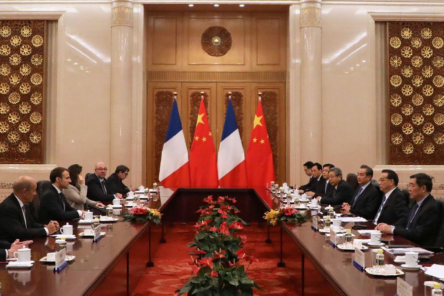 Rencontre avec Li Keqiang, Premier ministre chinois, auPalais de l'Assemblée du Peuple.