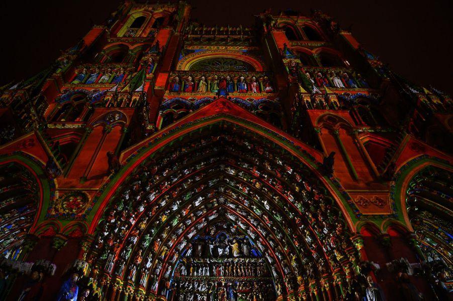 Le spectacle son et lumièrede la cathédrale Notre-Dame d'Amiens.