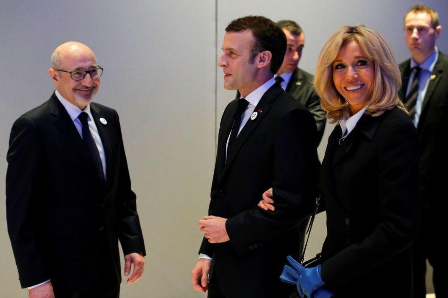 Emmanuel et Brigitte Macron avec le président du Crif,FrancisKalifat.