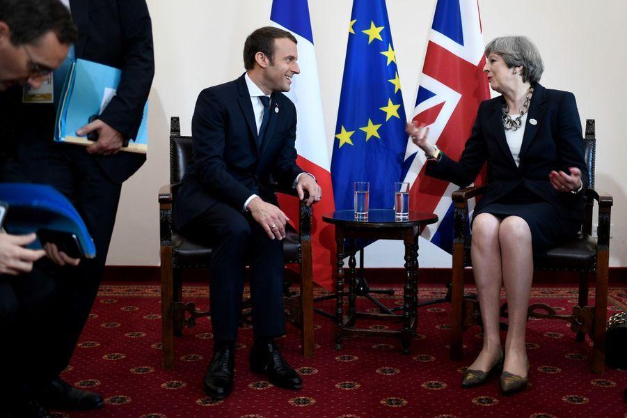 Entretien entre Emmanuel Macron et Theresa May vendredi à Taormine en Sicile.