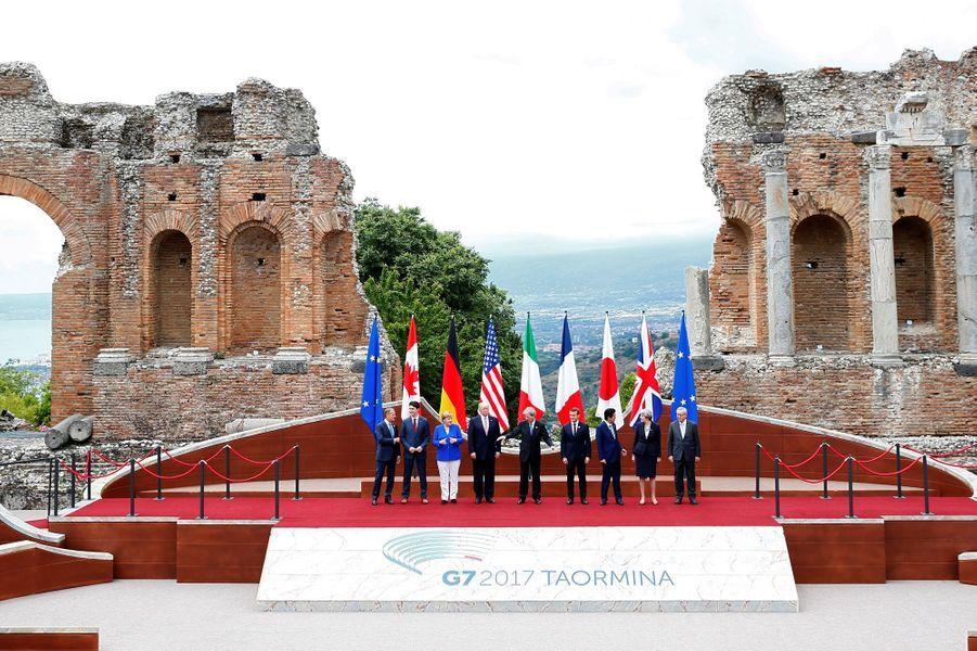 Photo de famille lors du G7 à Taormine en Sicile.