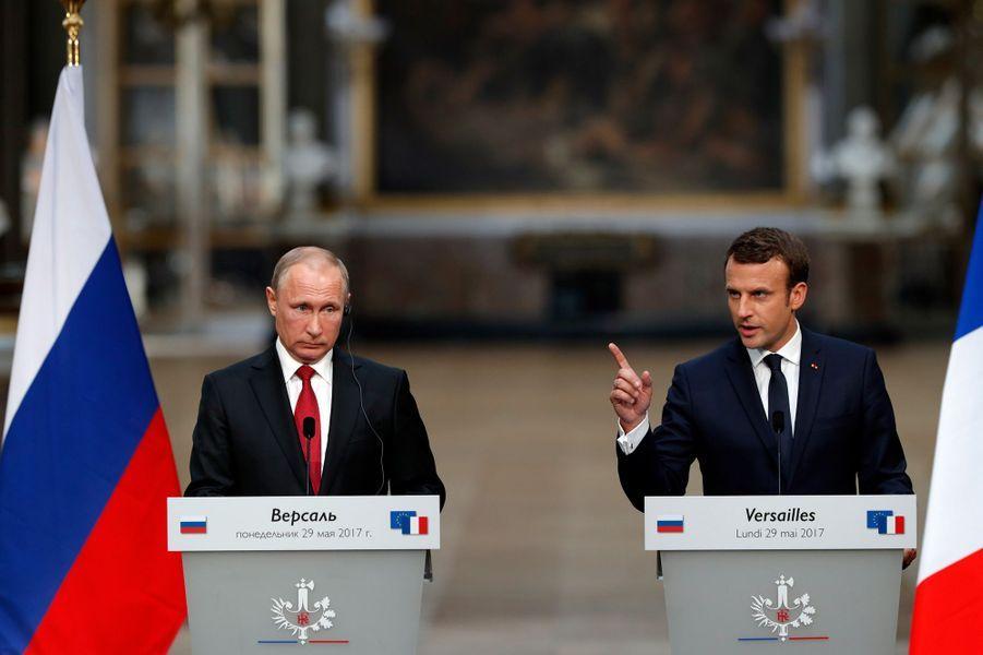 Conférence de presse commune entre Vladimir Poutine et Emmanuel Macron.