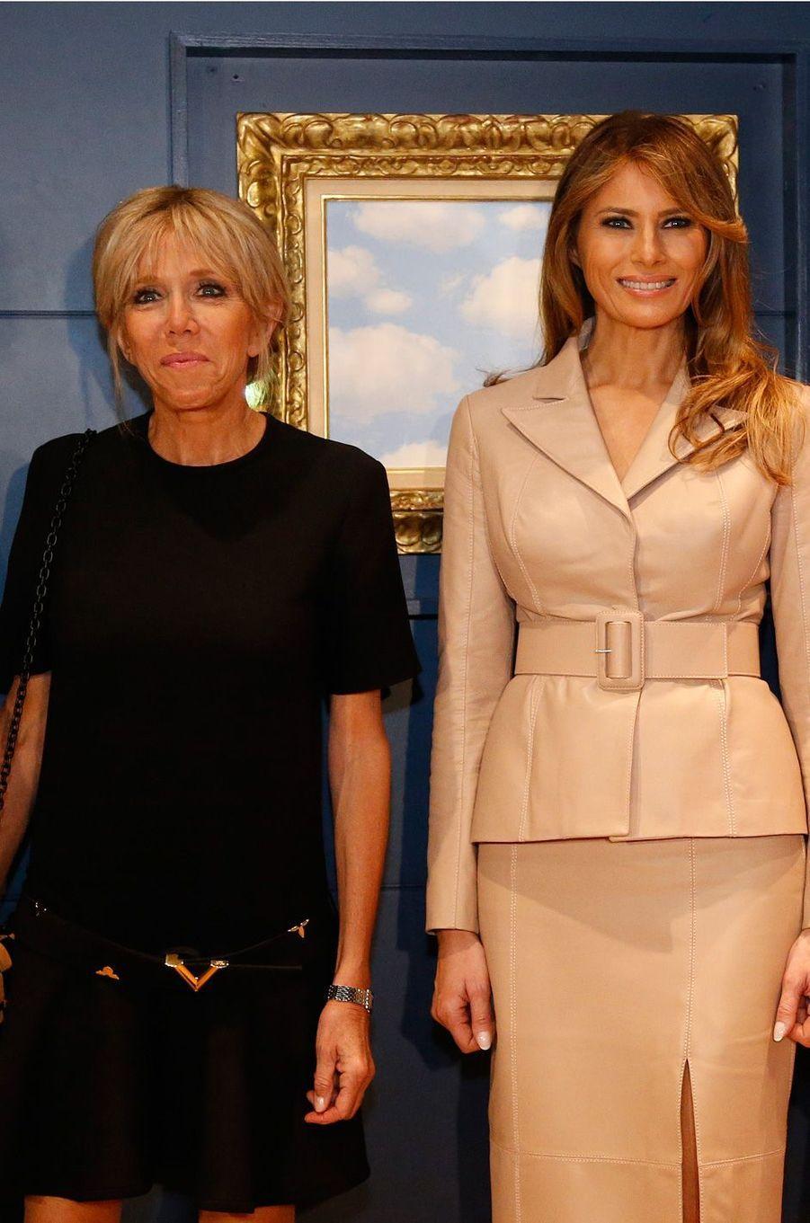 Brigitte Macron et Melania Trump aumusée Magritte.