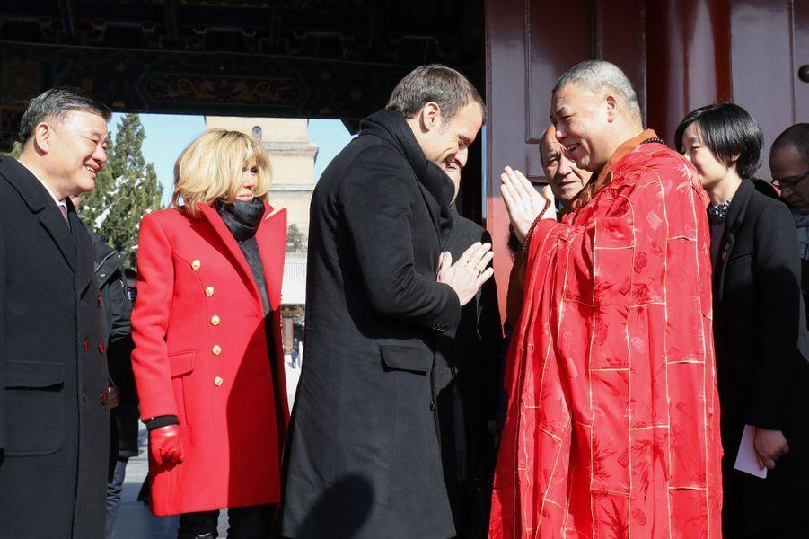 Le couple présidentiel visite laGrande pagode de l'oie sauvage.