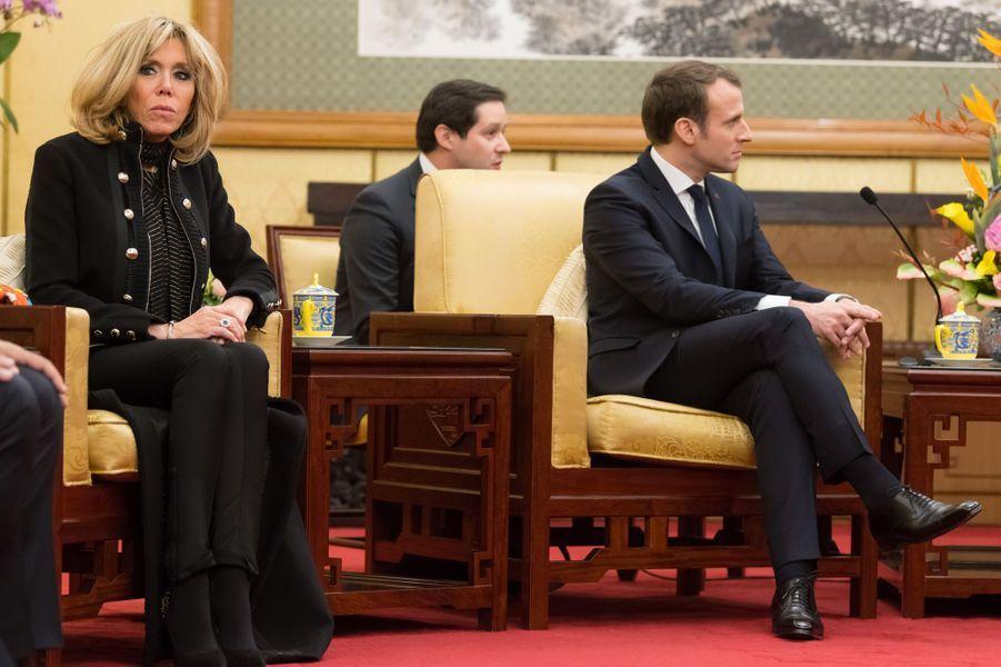 Emmanuel Macron et son épouse Brigitteà l'Hôtel Diaoyutade Pékin.