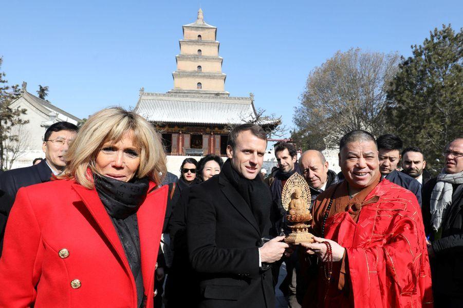 Le couple présidentiel visitelaGrande pagode de l'oie sauvage.