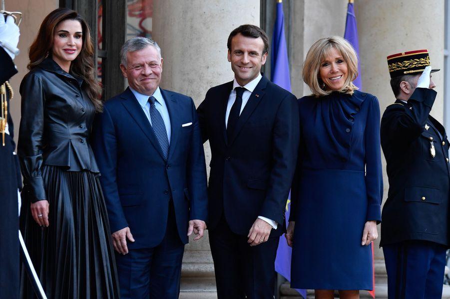 Emmanuel Macron et son épouse Brigitte reçoivent à l'Elysée le roi Abdallah II et la reine Rania de Jordanie.