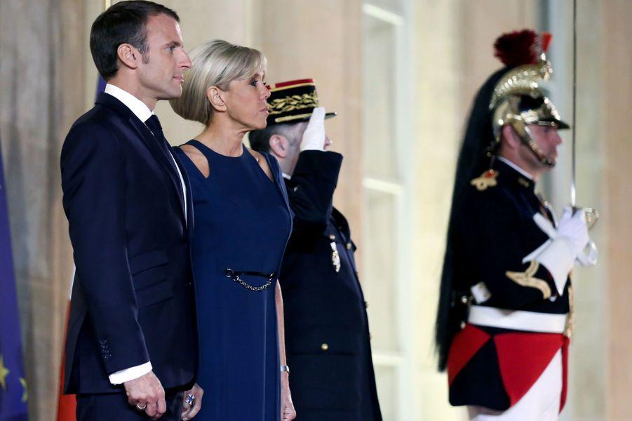 Emmanuel et Brigitte Macron ont reçu pour un dîner d'Etat le président sud-coréen Moon Jae-in et son épouseKim Jung-sook.