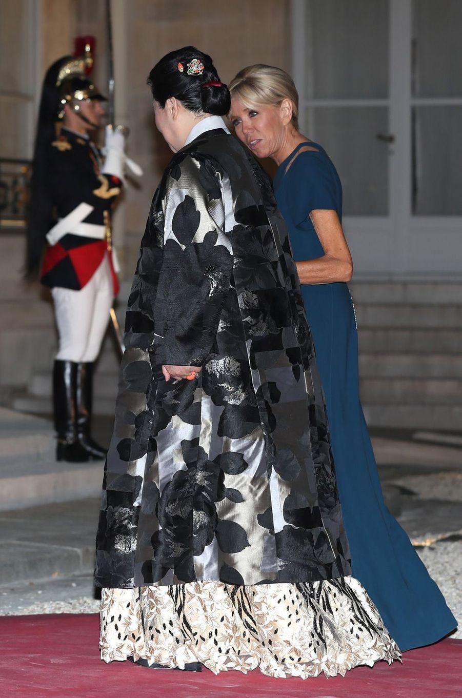 Brigitte Macron et la Première dame sud coréenneKim Jung-sook.