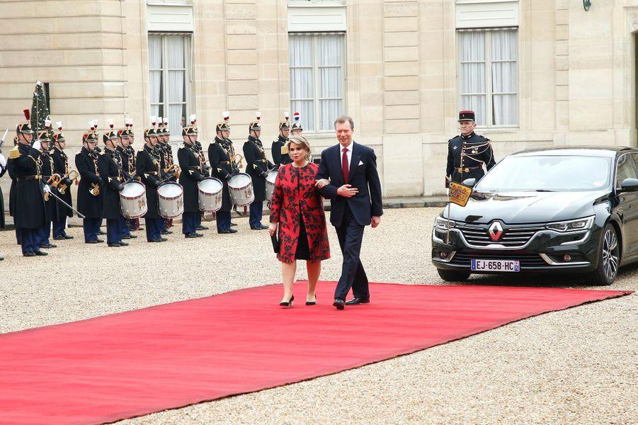 Le grand-duc Henri de Luxembourg etson épouse Maria Teresa lundi au palais présidentiel.