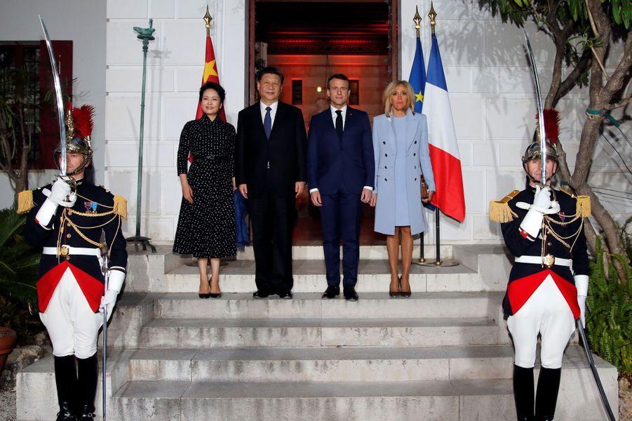 La Première dame chinoise Peng Liyuan,Xi Jinping,Emmanuel Macron et son épouse Brigitte dimanche soir à la villa Kérylos,à Beaulieu-sur-Mer.