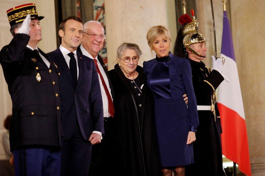 Emmanuel et Brigitte Macron en compagnie du président israélien Reuven Rivlin et de son épouse Nechama.