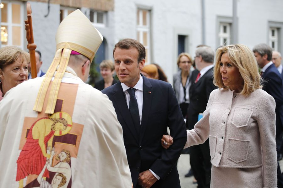 Emmanuel et Brigitte Macron à Aix-la-Chapelle jeudi