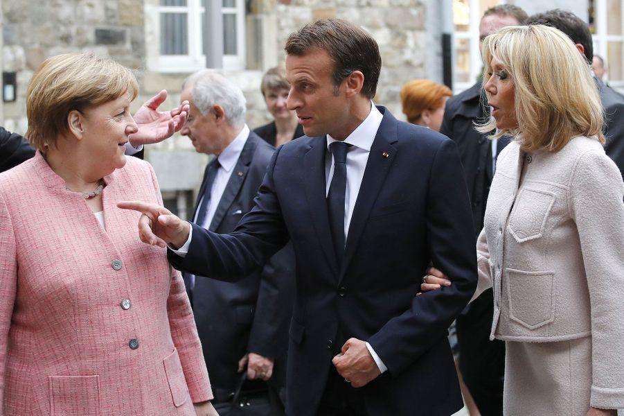 Angela Merkel, Emmanuel et Brigitte Macron à Aix-la-Chapelle jeudi