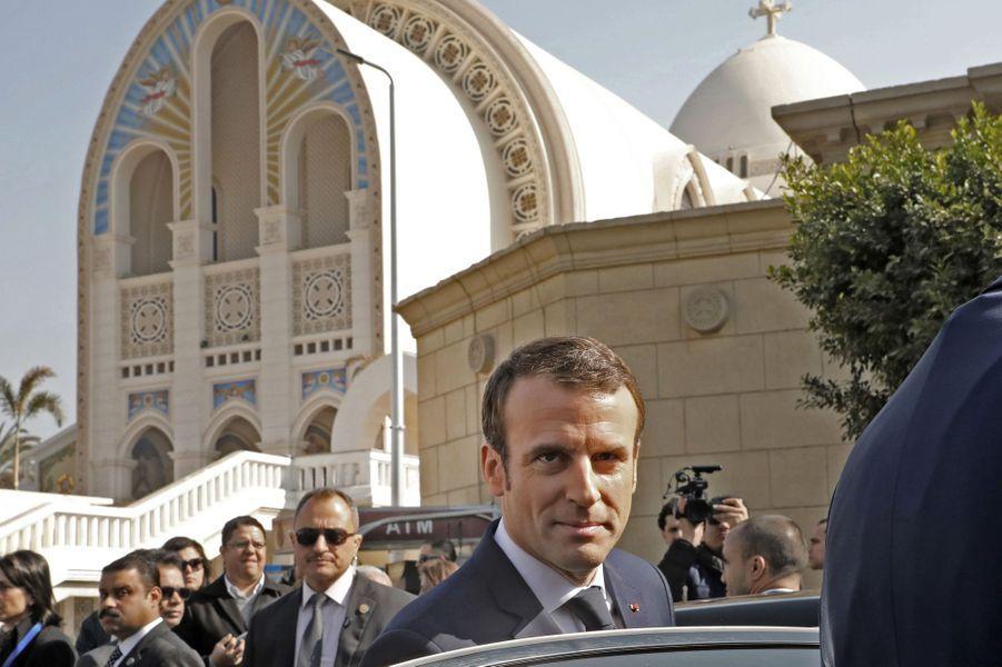 Emmanuel Macron mardi matin au Caire. Le chef de l'Etat a visitél'église Saint-Pierre-et-Saint-Paul et la cathédrale Saint-Marc.