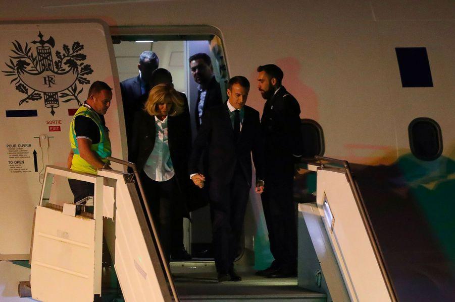 Emmanuel et Brigitte Macron à leur arrivée à Buenos Aires.