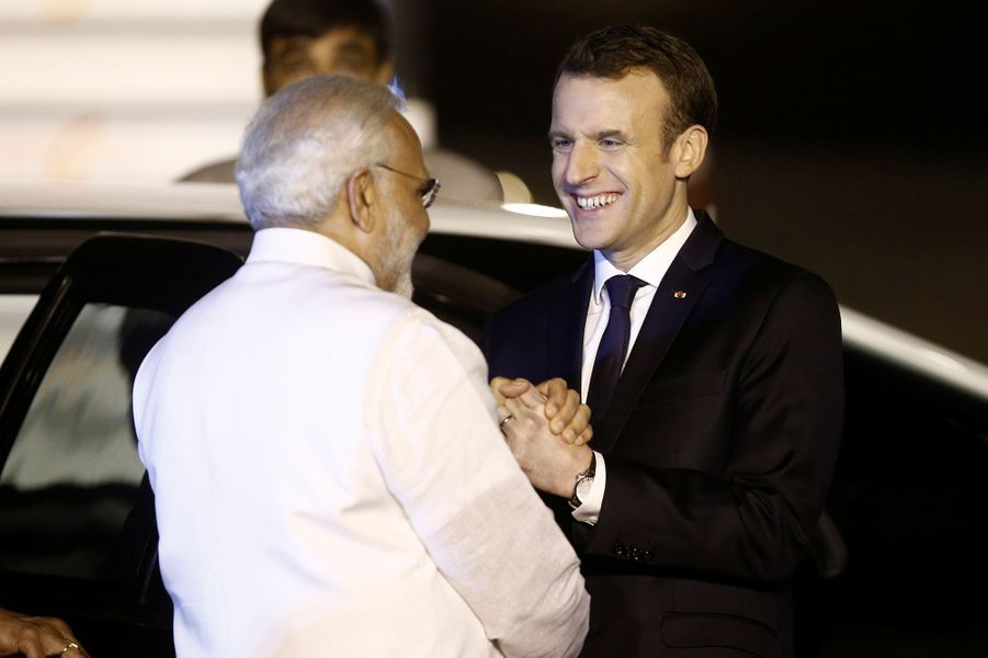 Emmanuel Macron et le Premier ministre Narendra Modi vendredi soir en Inde.
