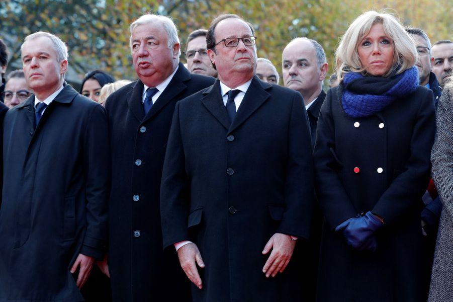 François de Rugy,Gérard Larcher, François Hollande et Brigitte Macron lors de la cérémonie au Stade de France.