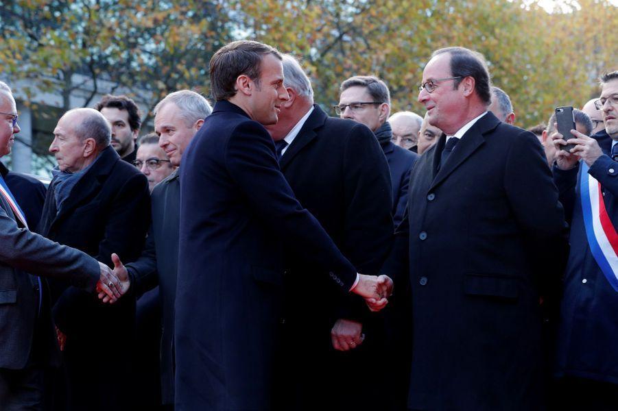 Emmanuel Macron et François Hollandeà la cérémonie au Stade de France.