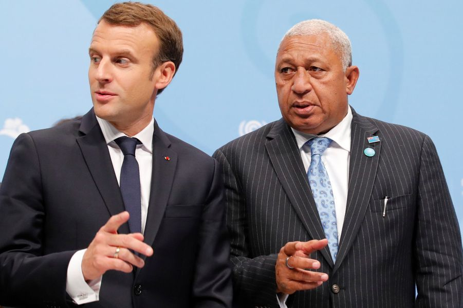 Emmanuel Macron et le Premier ministre fidjienFrank Bainimaramaau World Convention Center de Bonn pour la COP23, en début d'après-midi le 15 novembre 2017.