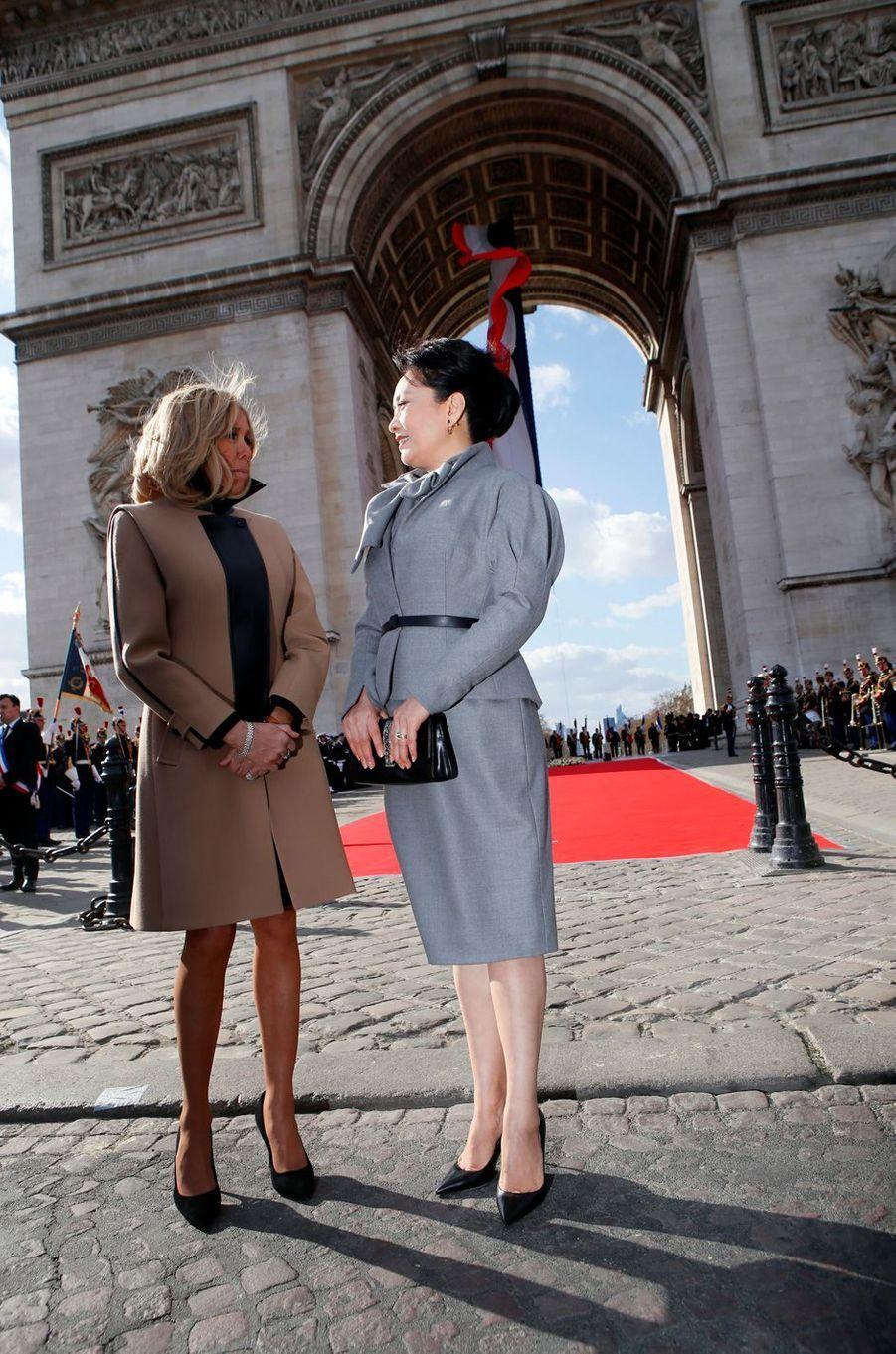 Brigitte Macron et la Première dame chinoisePeng Liyuan.