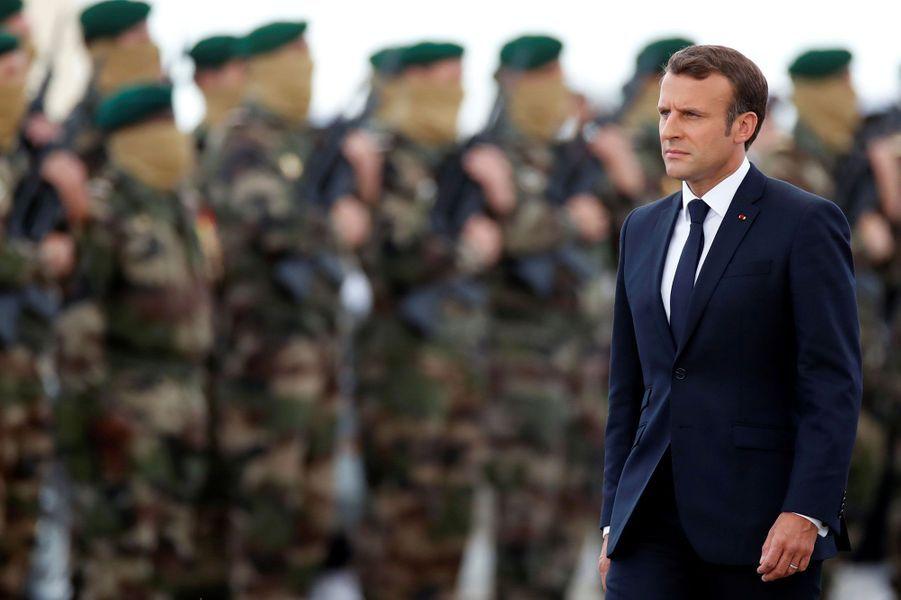 Emmanuel Macron lors de la cérémonie hommage aux 177 du commando Kieffer