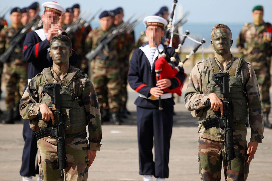 Emmanuel Macron lors de la cérémonie hommage aux177 du commando Kieffer