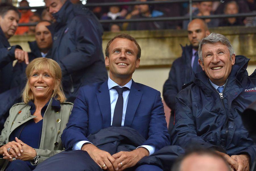 Brigitte Macron, Emmanuel Macron et Philippe de Villiers au Puy du Fou