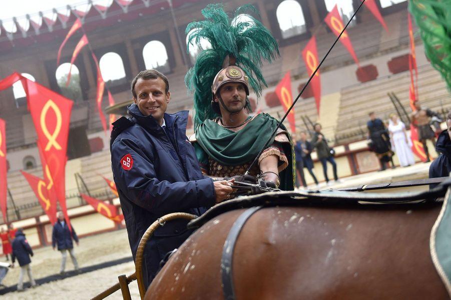 Emmanuel Macron et Philippe de Villiers au Puy du Fou