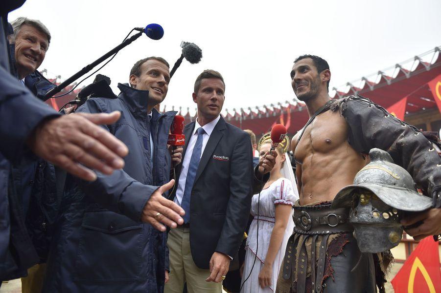 Philippe De Villiers et Emmanuel Macron au Puy du Fou
