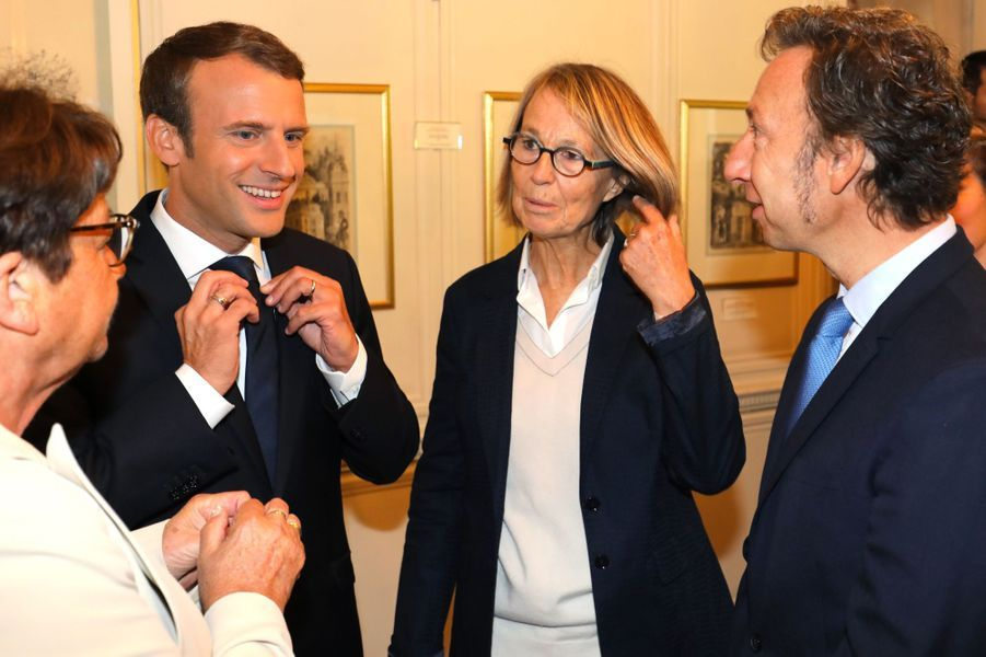 Stéphane Bern,Francoise Nyssen et Emmanuel Macron au château de Monte-Cristo, dans les Yvelines, le 16 septembre 2017.