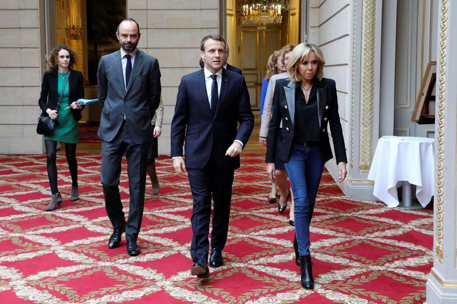 Edouard Philippe, Emmanuel et Brigitte Macron à l'Elysée, le 25 novembre 2017.