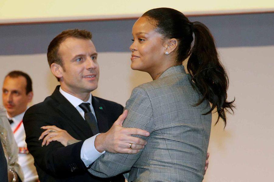 Rihanna et Emmanuel Macron au Sénégal.