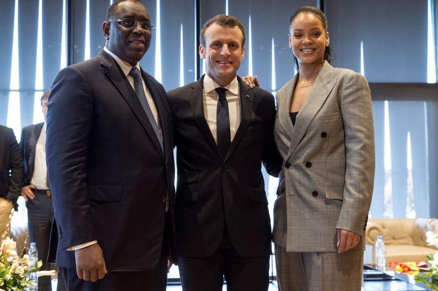 Le président Macky Sall, Rihanna et Emmanuel Macron au Sénégal.