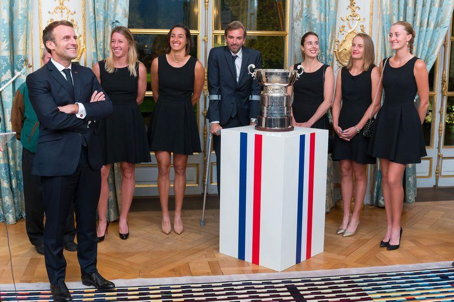 Emmanuel Macron a reçu mardi à l'Elysée les joueuses de tennis qui ont ramené la Fed Cup.