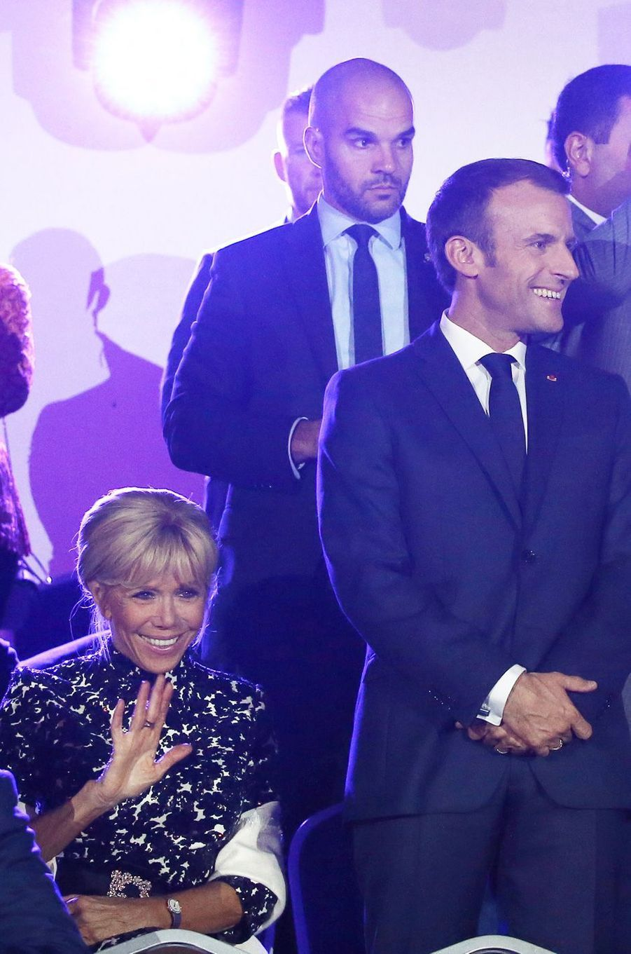 Emmanuel Macron et son épouse Brigitte ont assisté jeudi soir à un concert hommage à Charles Aznavour, à Erevan.