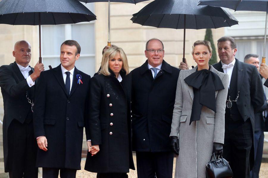 L'arrivée d'Albert et Charlène de Monaco