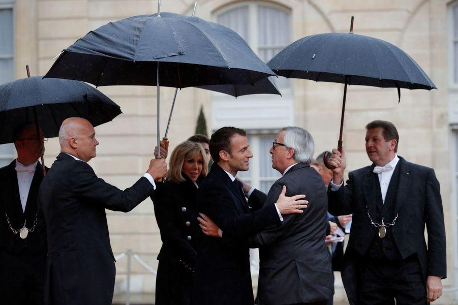 L'arrivée du président de la Commission européenneJean-Claude Juncker.