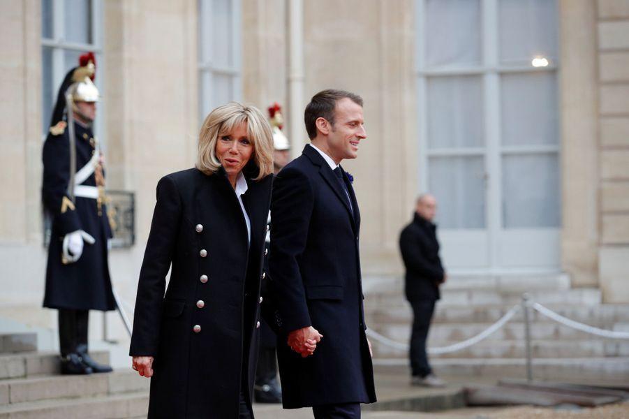 Emmanuel et Brigitte Macron reçoivent les chefs d'Etat à l'Elysée.