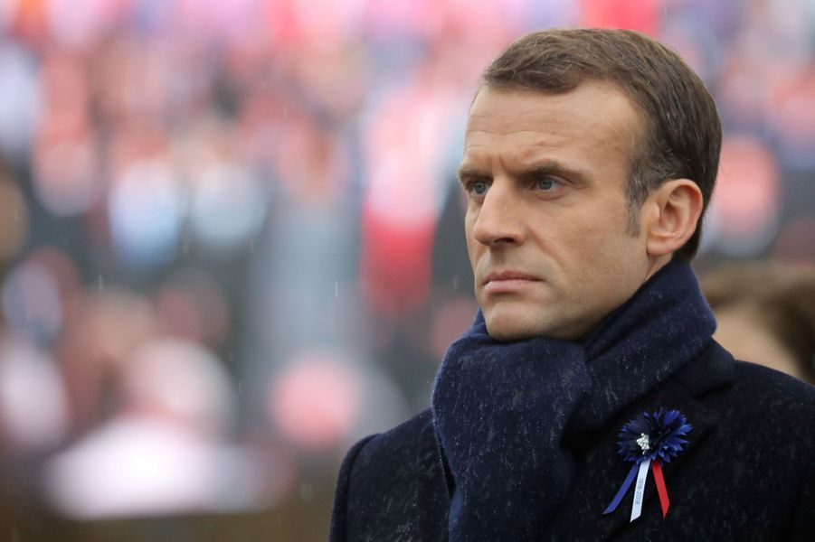 Emmanuel Macron à l'Arc de Triomphe.