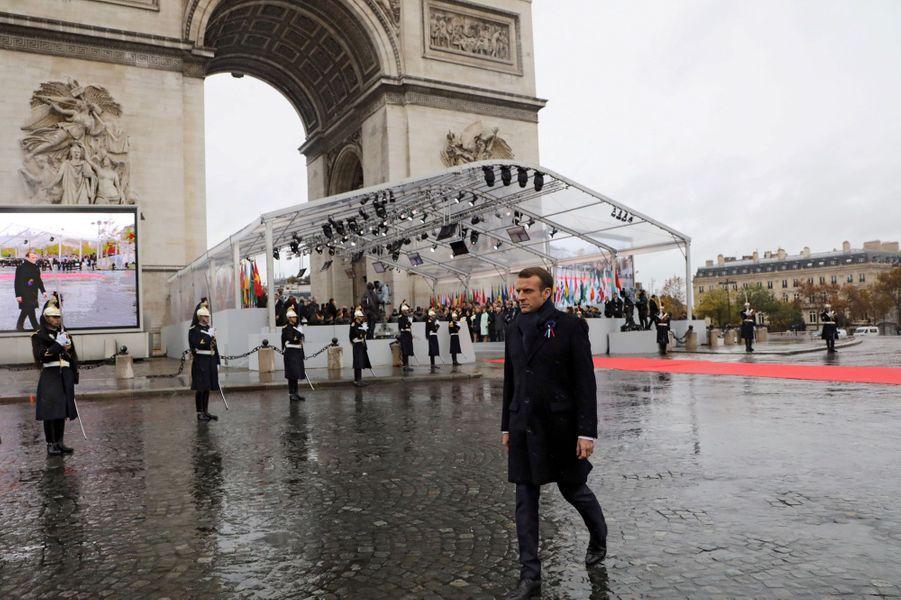Emmanuel Macron, à l'Arc de Triomphe.