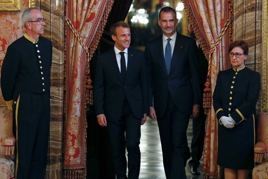 Emmanuel Macron et le roi Felipe VI, jeudi soir à Madrid.