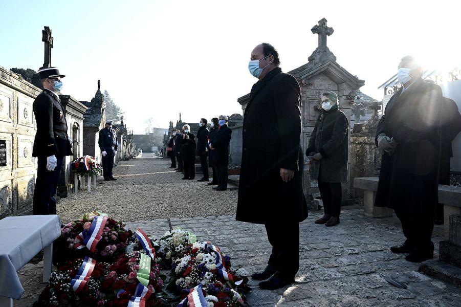François Hollandeà Jarnac vendredi pour le 25e anniversaire de la mort de François Mitterrand.