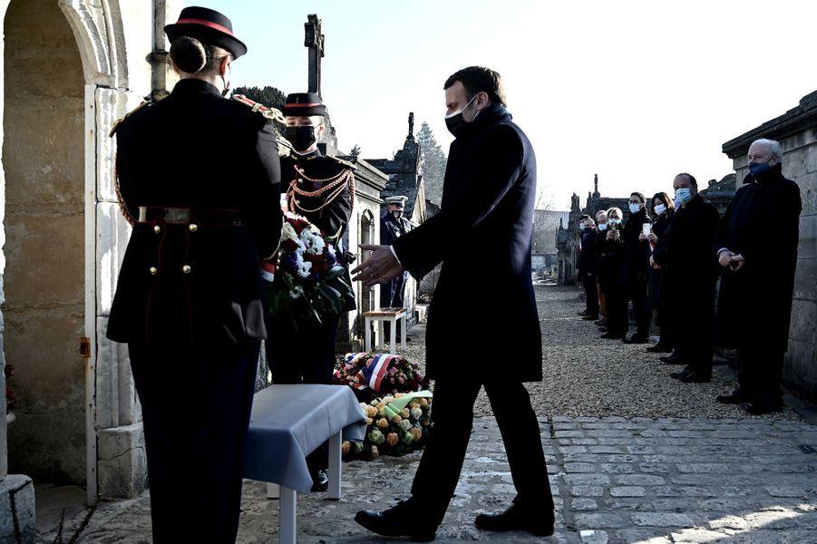 Emmanuel Macron à Jarnac vendredi pour le 25e anniversaire de la mort de François Mitterrand.