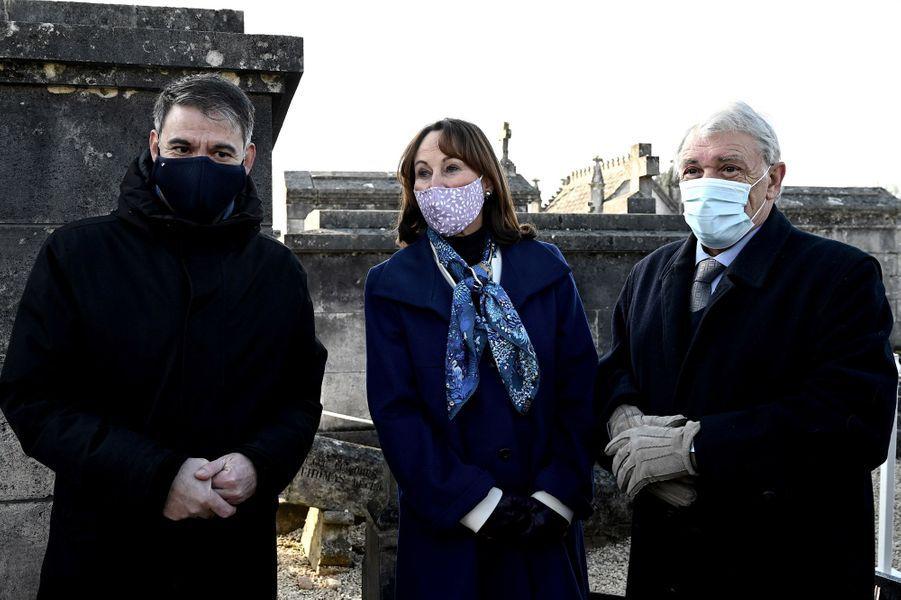 Olivier Faure, Ségolène Royal et Gilbert Mitterrandà Jarnac vendredi pour le 25e anniversaire de la mort de François Mitterrand.