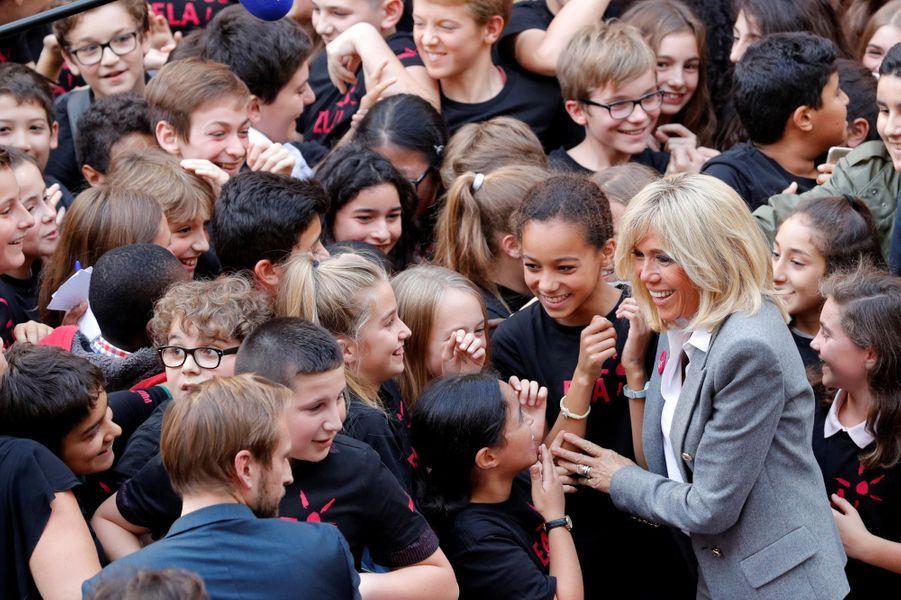 Brigitte Macron lundi dans un collège du XIIe arrondissement.