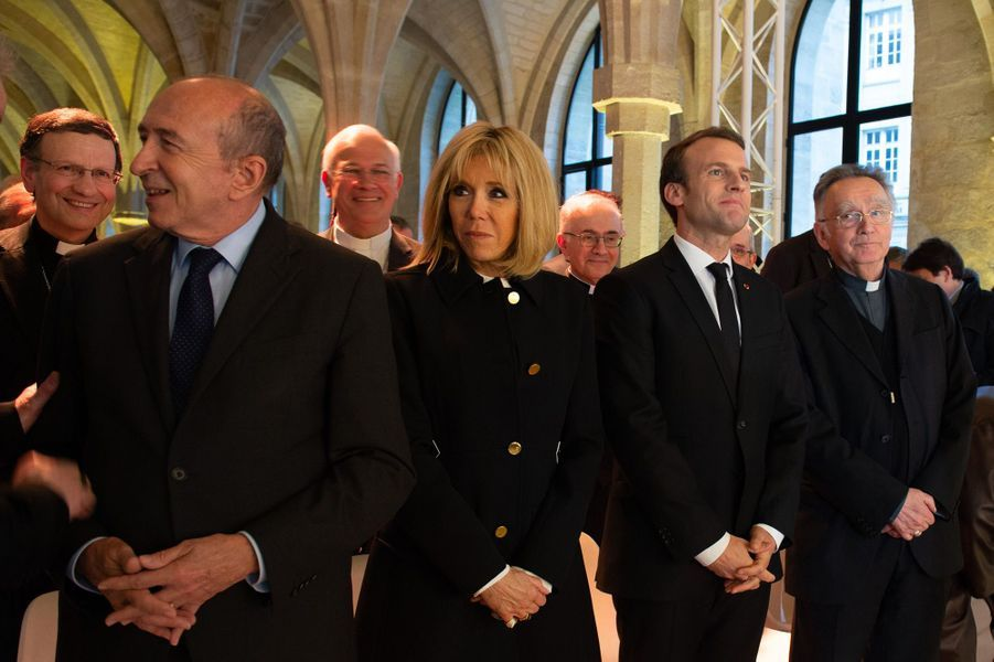 Gérard Collomb, Brigitte Macron, Emmanuel Macron aucollège des Bernardins à Paris.