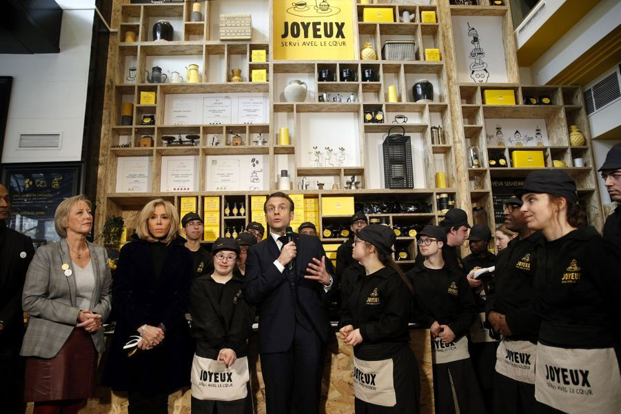 Inauguration duCafé Joyeuxsur les Champs Elyséesen présence d'Emmanuel et Brigitte Macron et Sophie Cluzel.